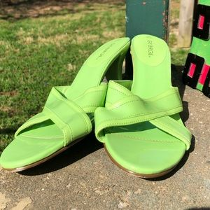 Apple green patent leather slides - 9.5 GEORGE